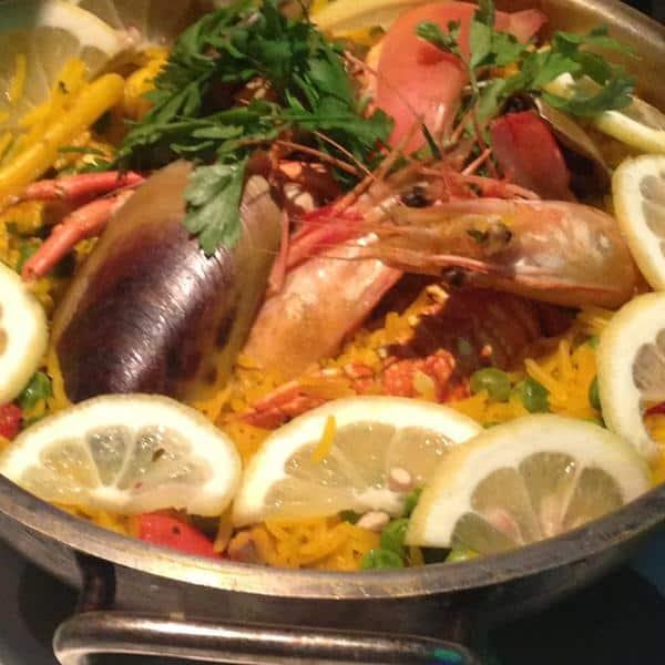مطعم القلزم في الرياض
