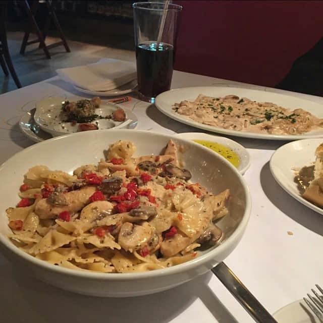 مطعم رومانوز ماكروني قريل الرياض
