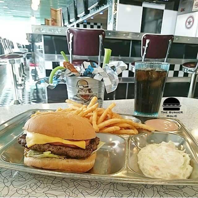 مطعم بدز روود الرياض