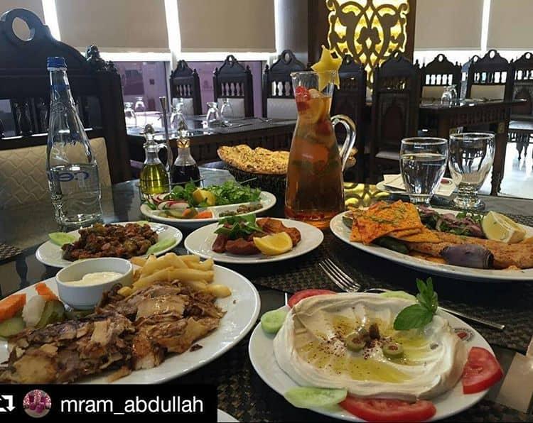 مطعم بيت ميكادو الرياض