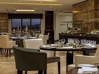 مطعم فندق بولمان زمزم