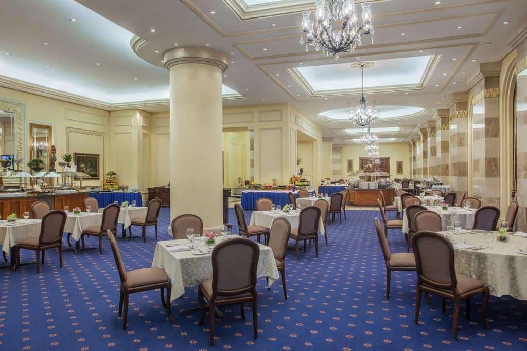 مطعم فندق دار الإيمان أنتركونتيننتال