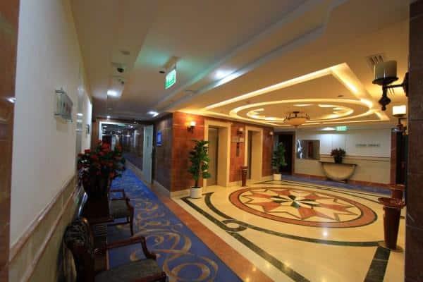 مطعم فندق رويال في المدينة