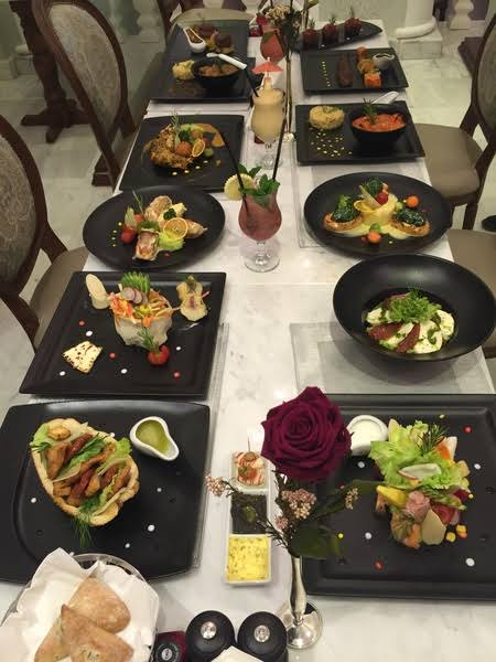اطباق مطعم ولاونج أوفال