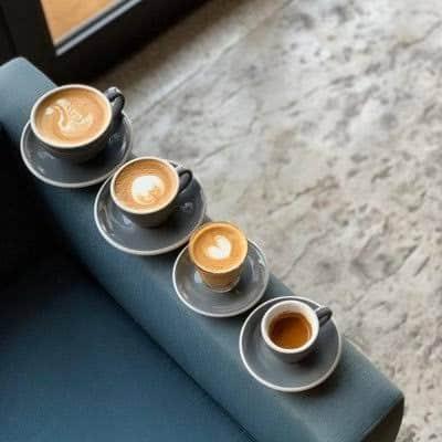 مطعم أرض القهوة في الرياض