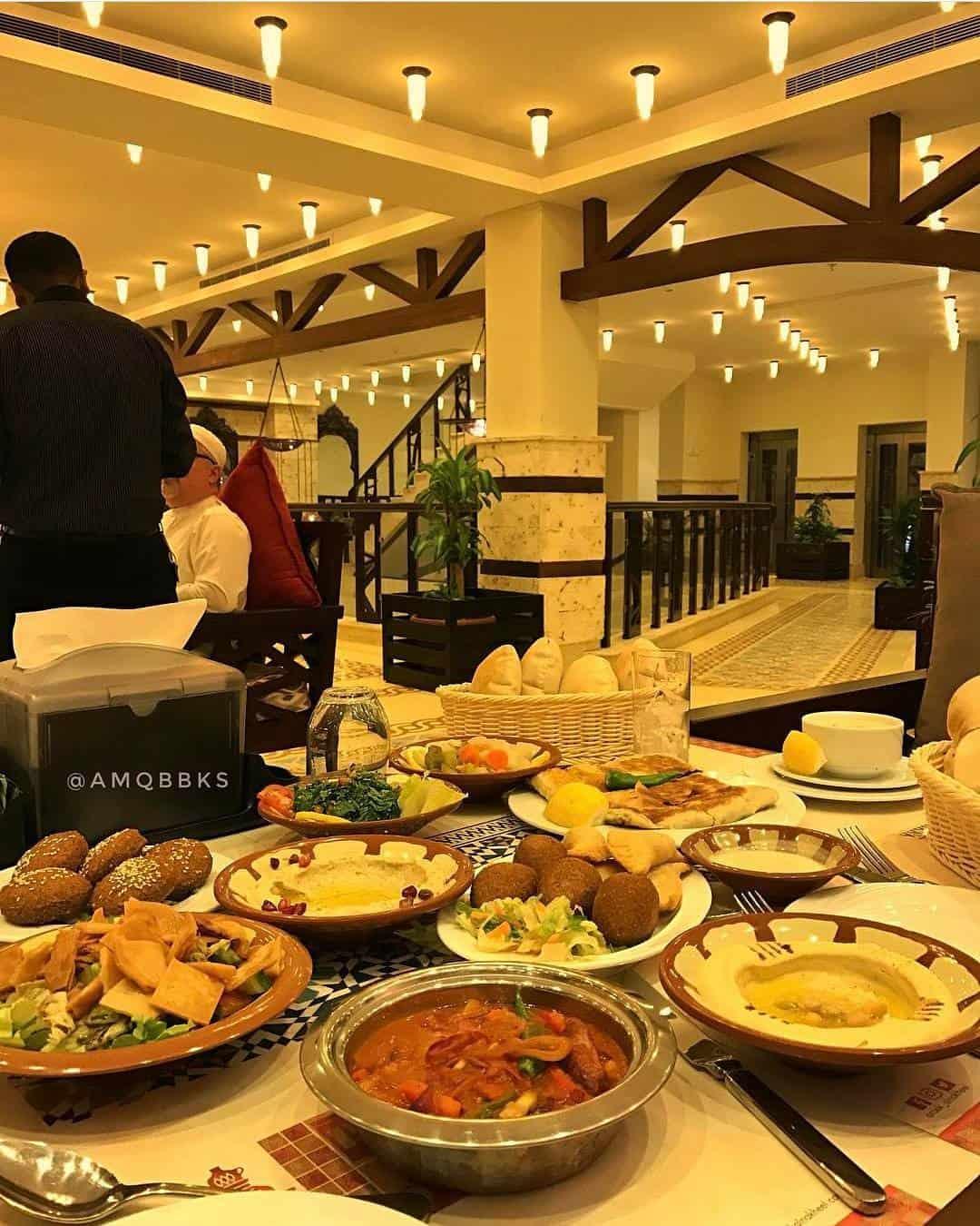 مطعم آرائك النخيل في جدة