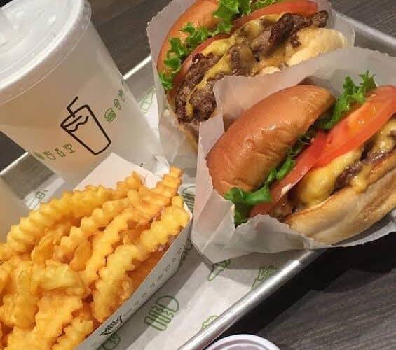 مطعم شيك برجر في الرياض