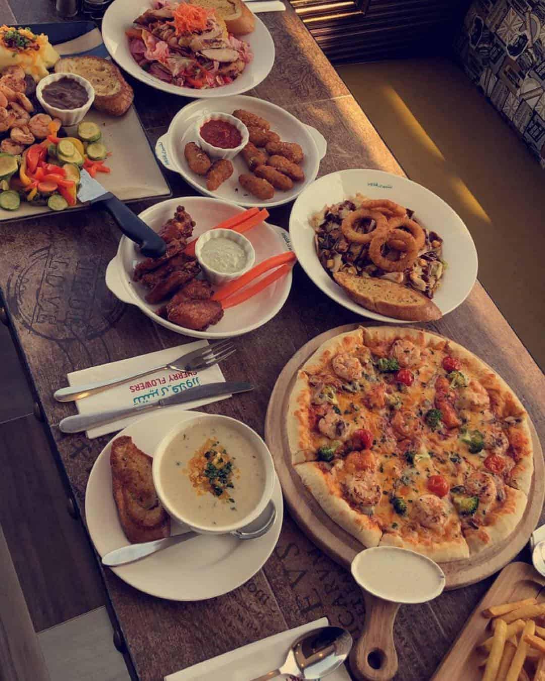 مطعم تشيري فلاورز في أبها