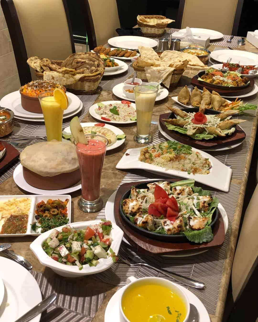 مطعم بيزار في الخميس