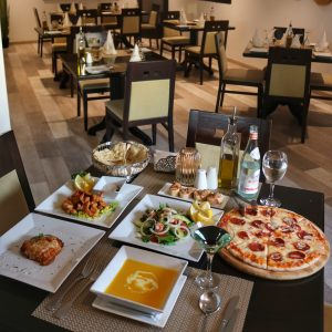 مأكولات إيطالية في أوليفيتو الخبر