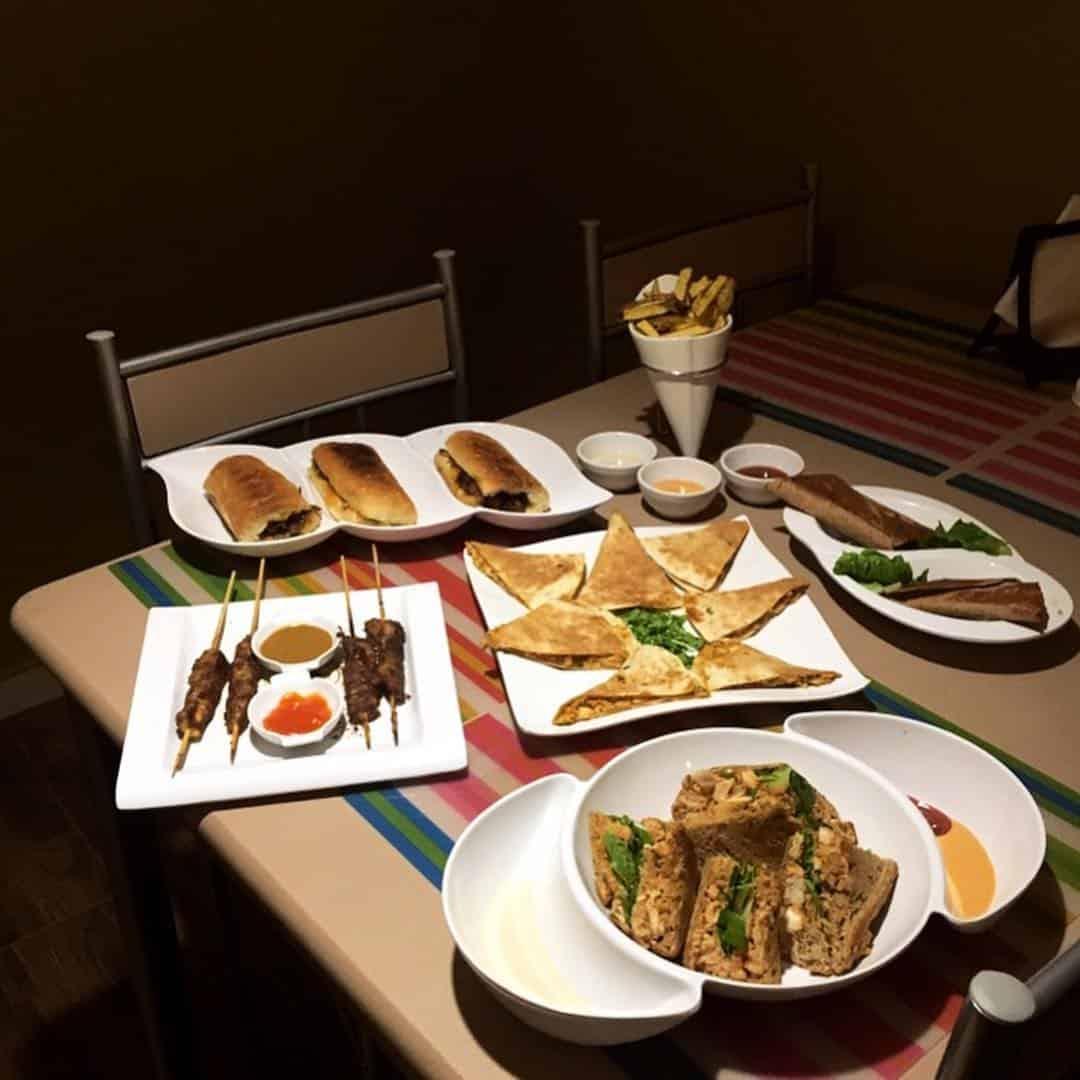 مطعم مشوي على الحجر الأسعار المنيو الموقع افضل المطاعم السعودية