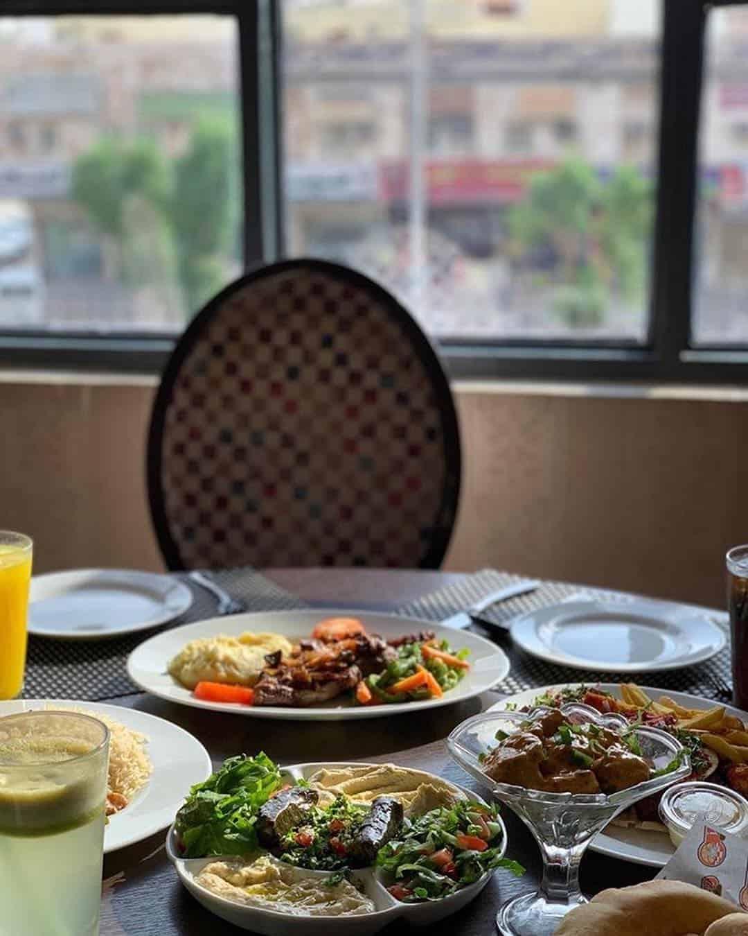 مطعم سينيز في مكه المكرمه