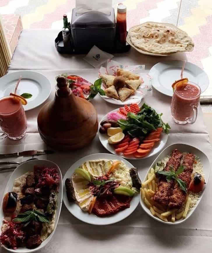 مطاعم بيت الظبي