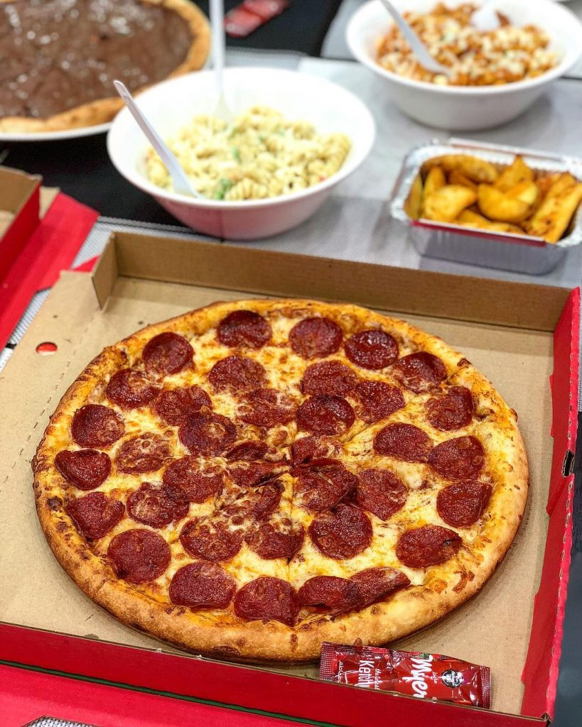 مطعم بيتزا واي