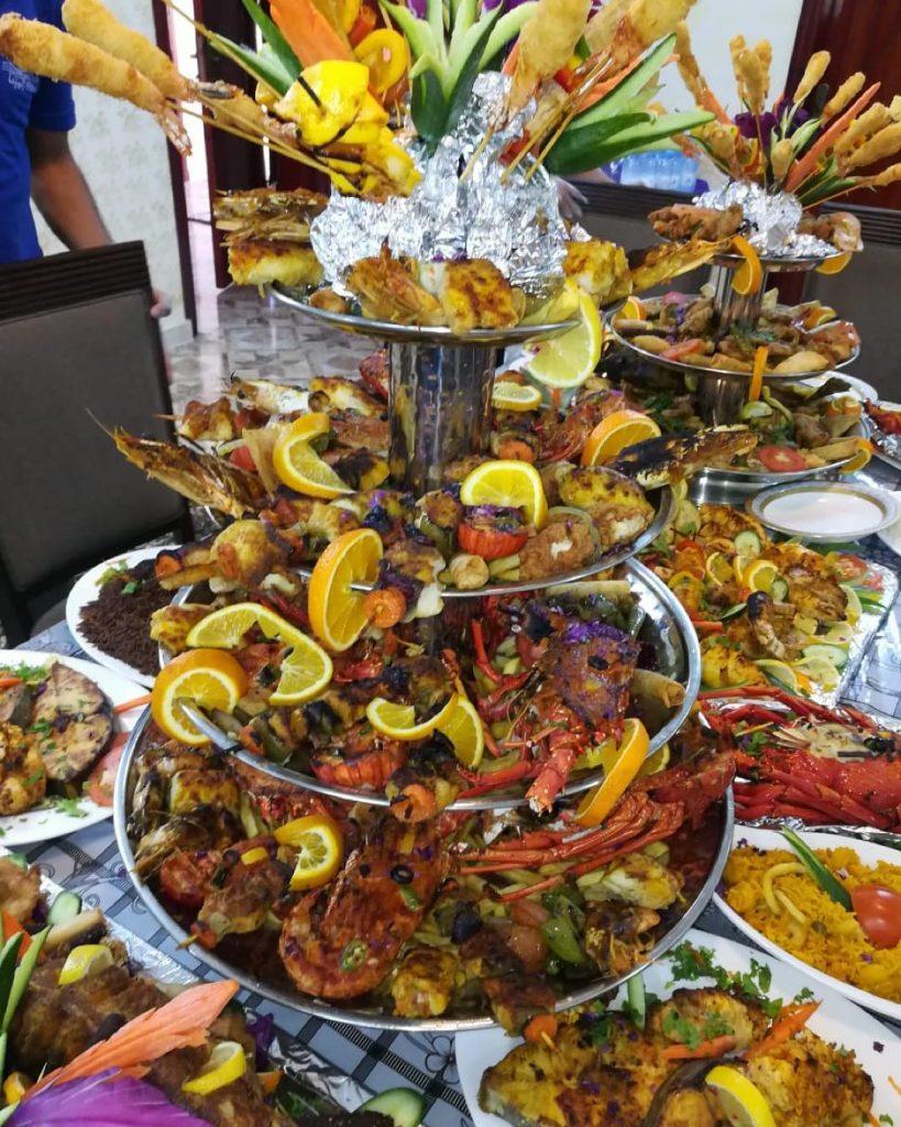 مطعم اسماك المينا