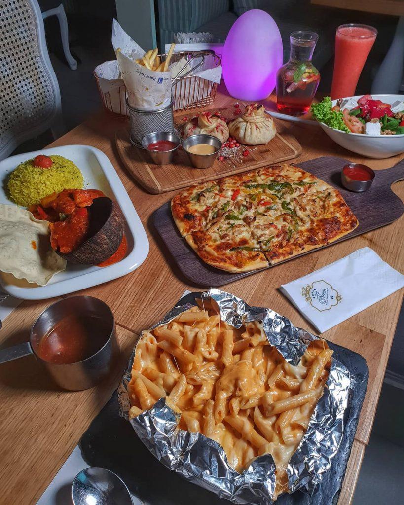 مطعم رويال نيم