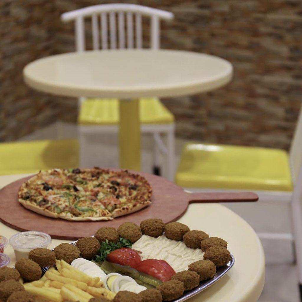 مطعم فطيرة الفلافل في تبوك