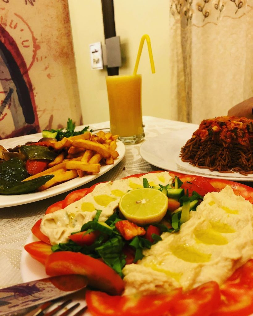 مطعم نادي المجد