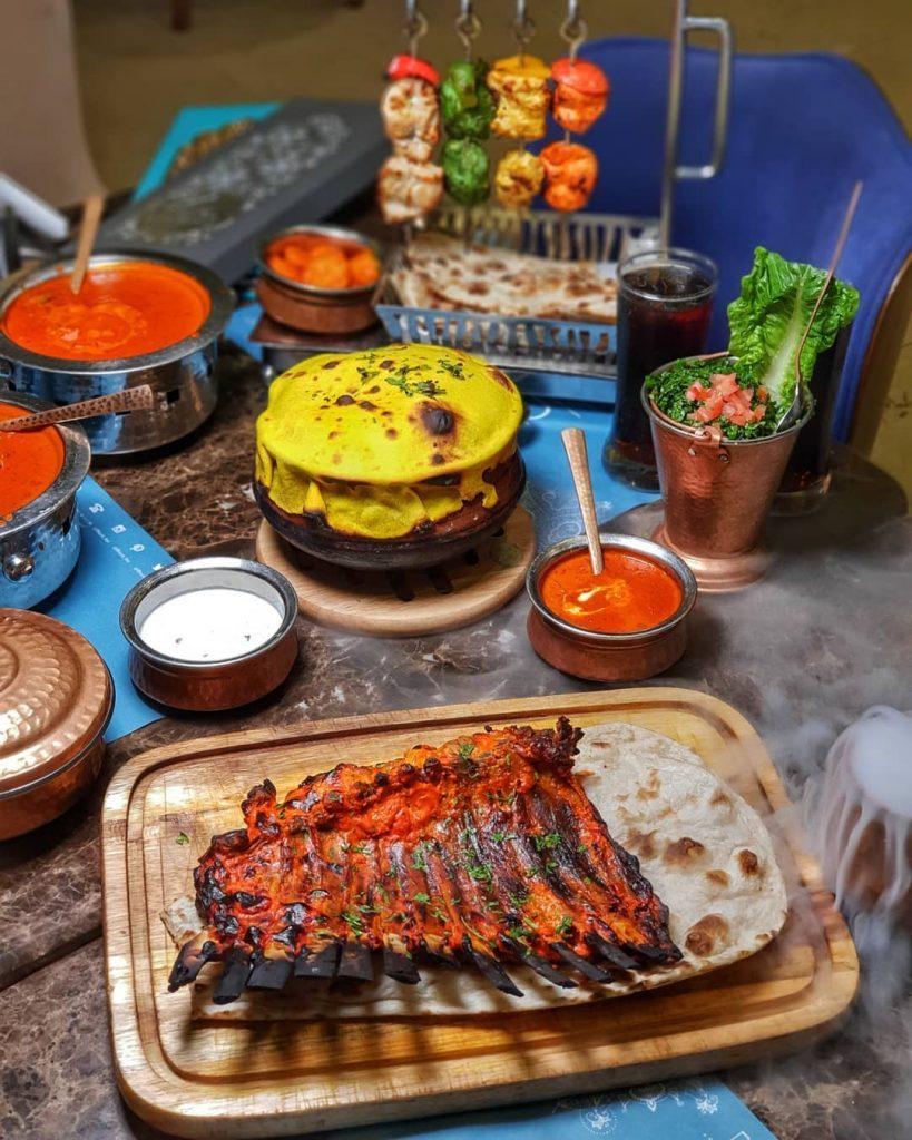 مطعم بهارات الهندي
