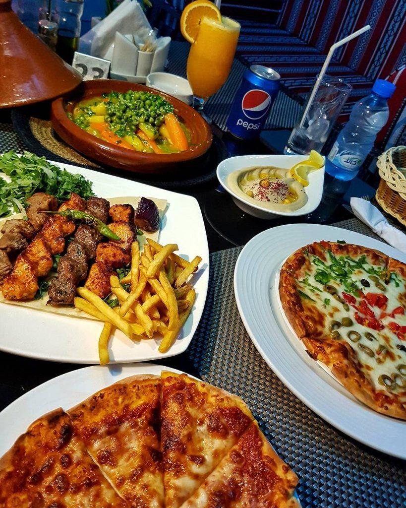 مطعم دروازة النخيل
