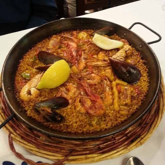 مطعم مشاوي صقر منيف