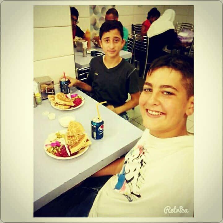 مطعم شاورما العميد