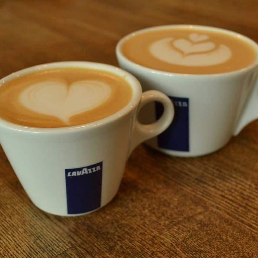 يوم القهوة فرع عنيزة
