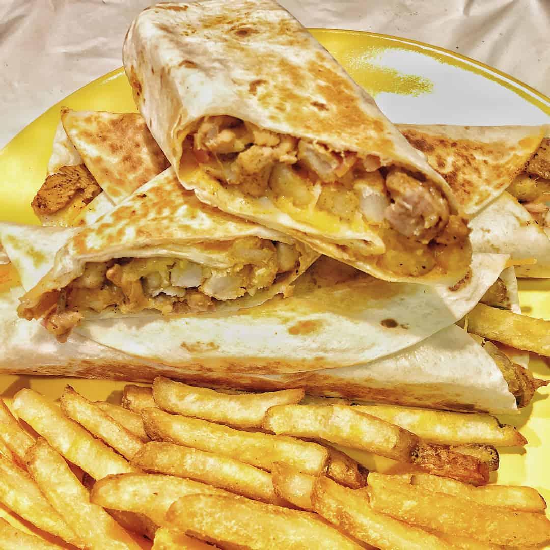 مطعم شاورما ولايف لماكولات السريعة