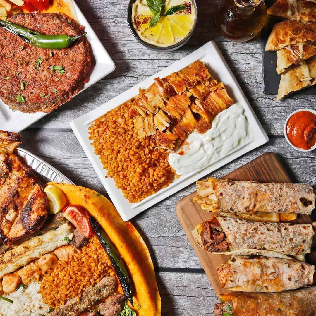مطعم فنكوش شاورما وعصيرات