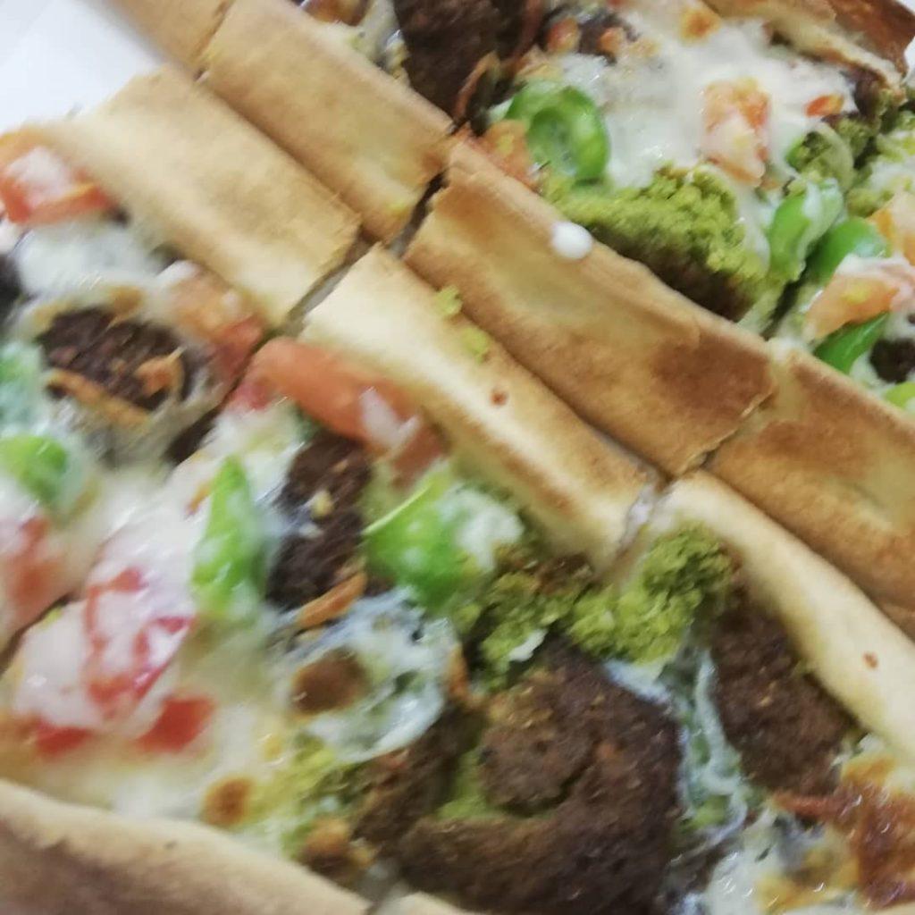 مطعم فطائر وبيتزا ابو هلال في تبوك
