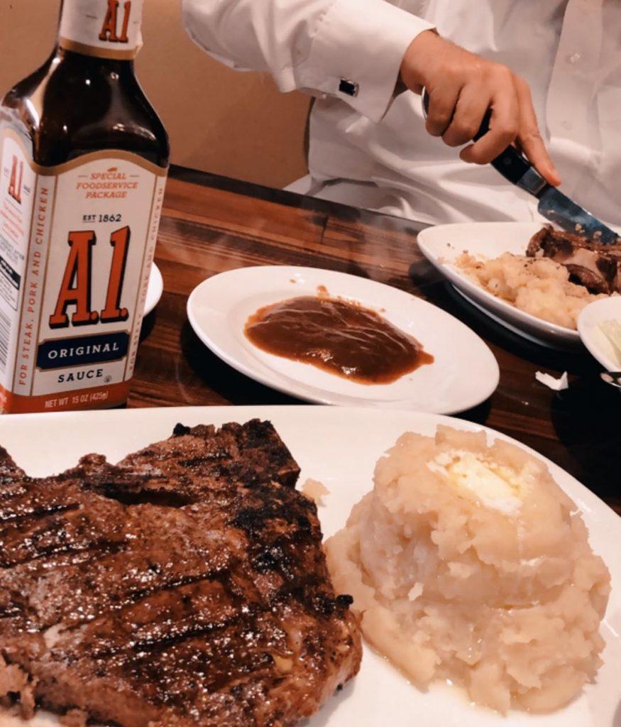 مطعم لونج هورن في الرياض