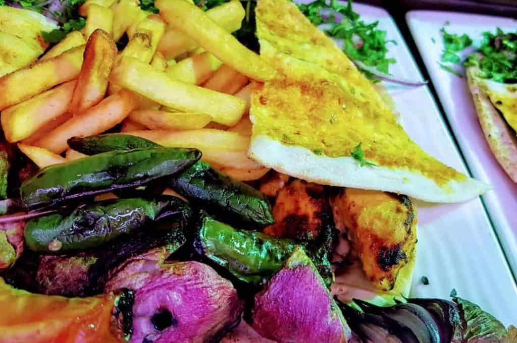 مطعم الكوخ الشامي في الجوف