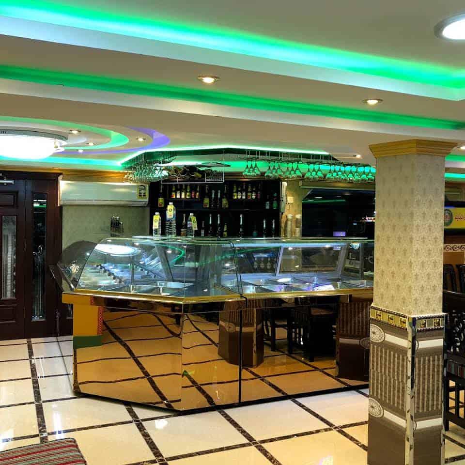 مطعم زمزم تونايت للعوائل في جدة