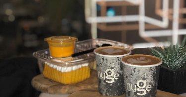 منيو مقهي قهوة ضخمة